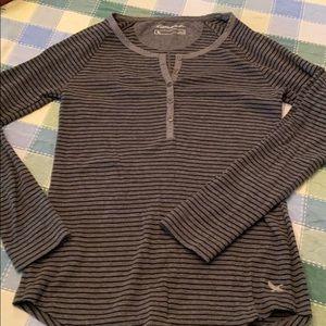 Eddie Bauer women's long sleeve knit shirt sz s